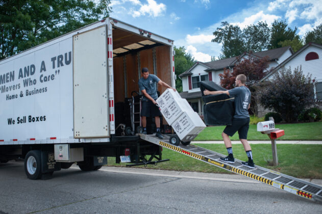 two-men-and-a-truck-loading